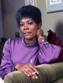 Come si pronuncia Dionne Warwick - Photo by Allan Warren