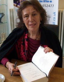 Come si pronuncia Claire Tomalin - Photo by Summonedbyfells