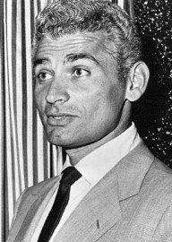 Come si pronuncia Jeff Chandler - Photo by Wire photo