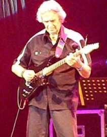 Come si pronuncia John McLaughlin - Photo by HenryFlower