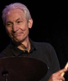 Come si pronuncia Charlie Watts - Photo by Poiseon Bild & amp