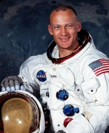 Come si pronuncia Buzz Aldrin - Photo by NASA Human Space Flight