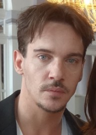 Come si pronuncia Jonathan Rhys-Meyers - Photo by Elen Nivrae